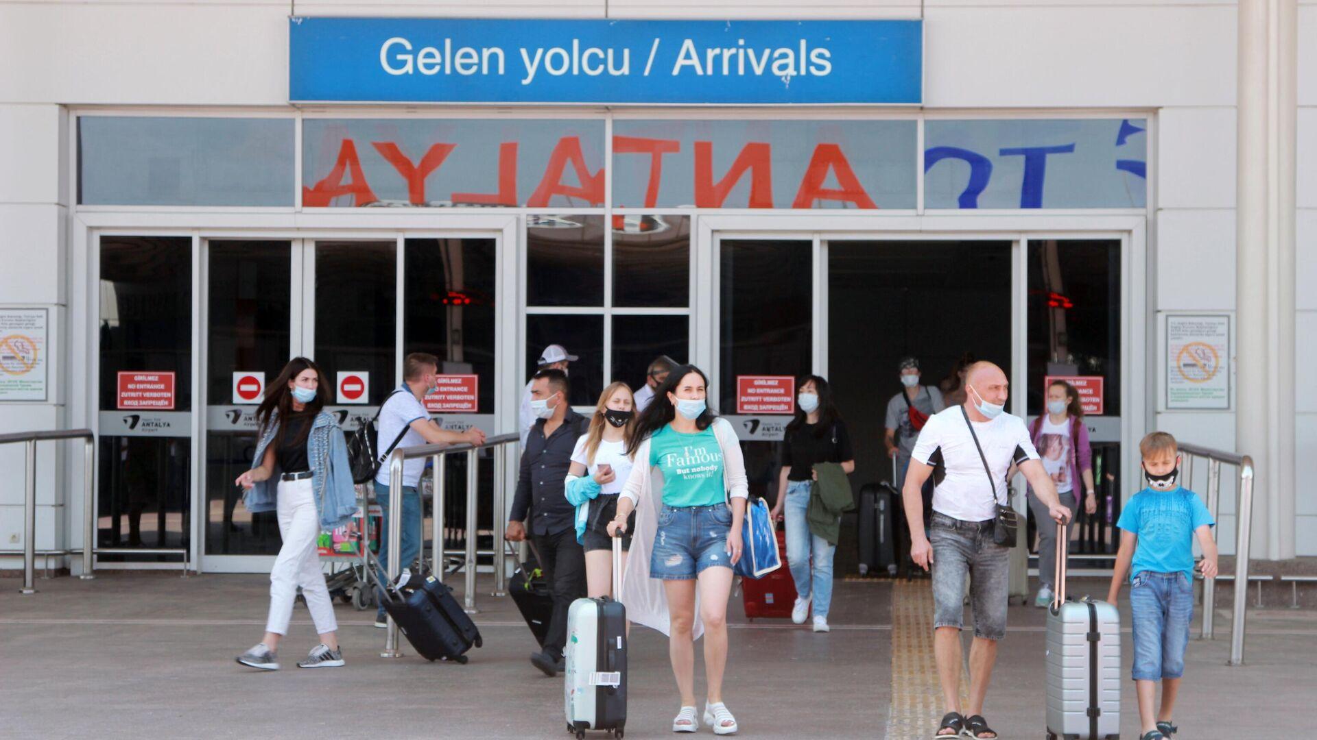 Первые туристы из РФ прибыли на курорты Турции - РИА Новости, 1920, 03.04.2021