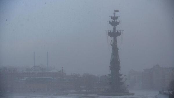 Памятник В ознаменование 300-летия российского флота в Москве