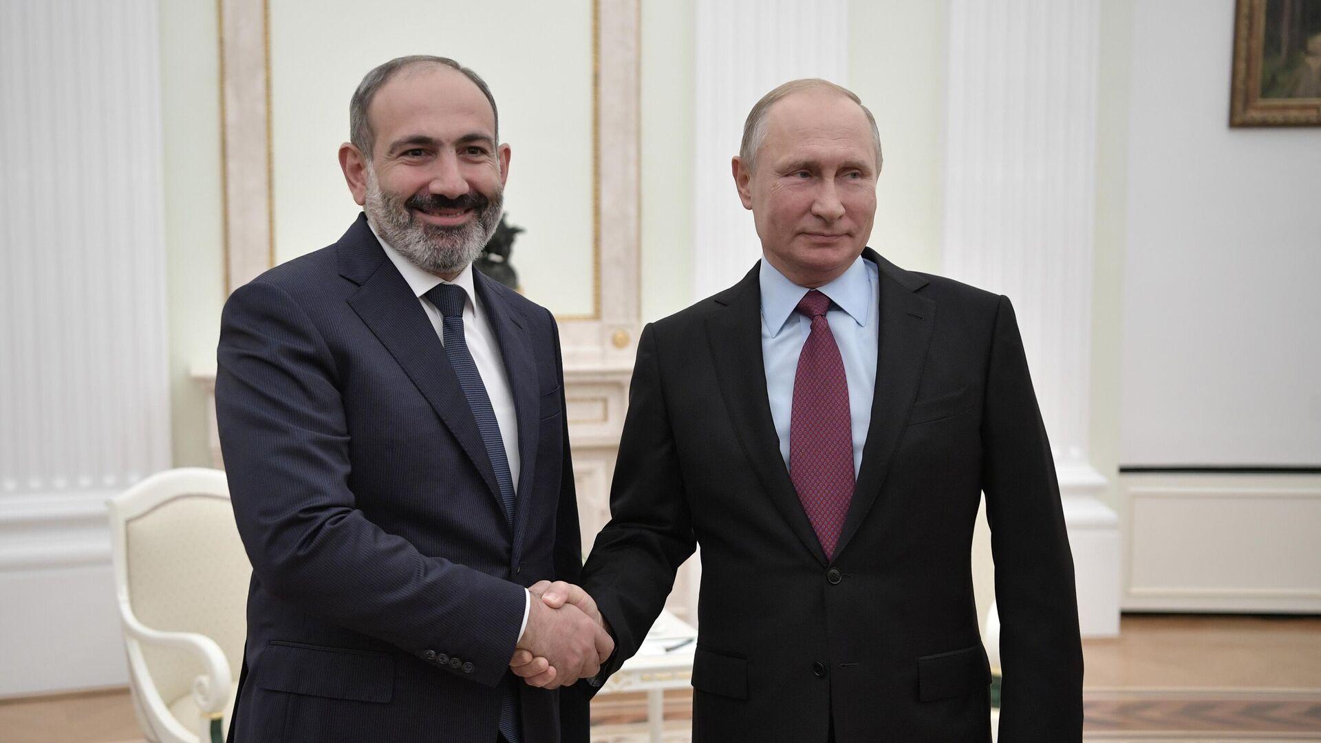 Президент РФ Владимир Путин и премьер-министр Армении Никол Пашинян во время встречи в Кремле - РИА Новости, 1920, 07.04.2021