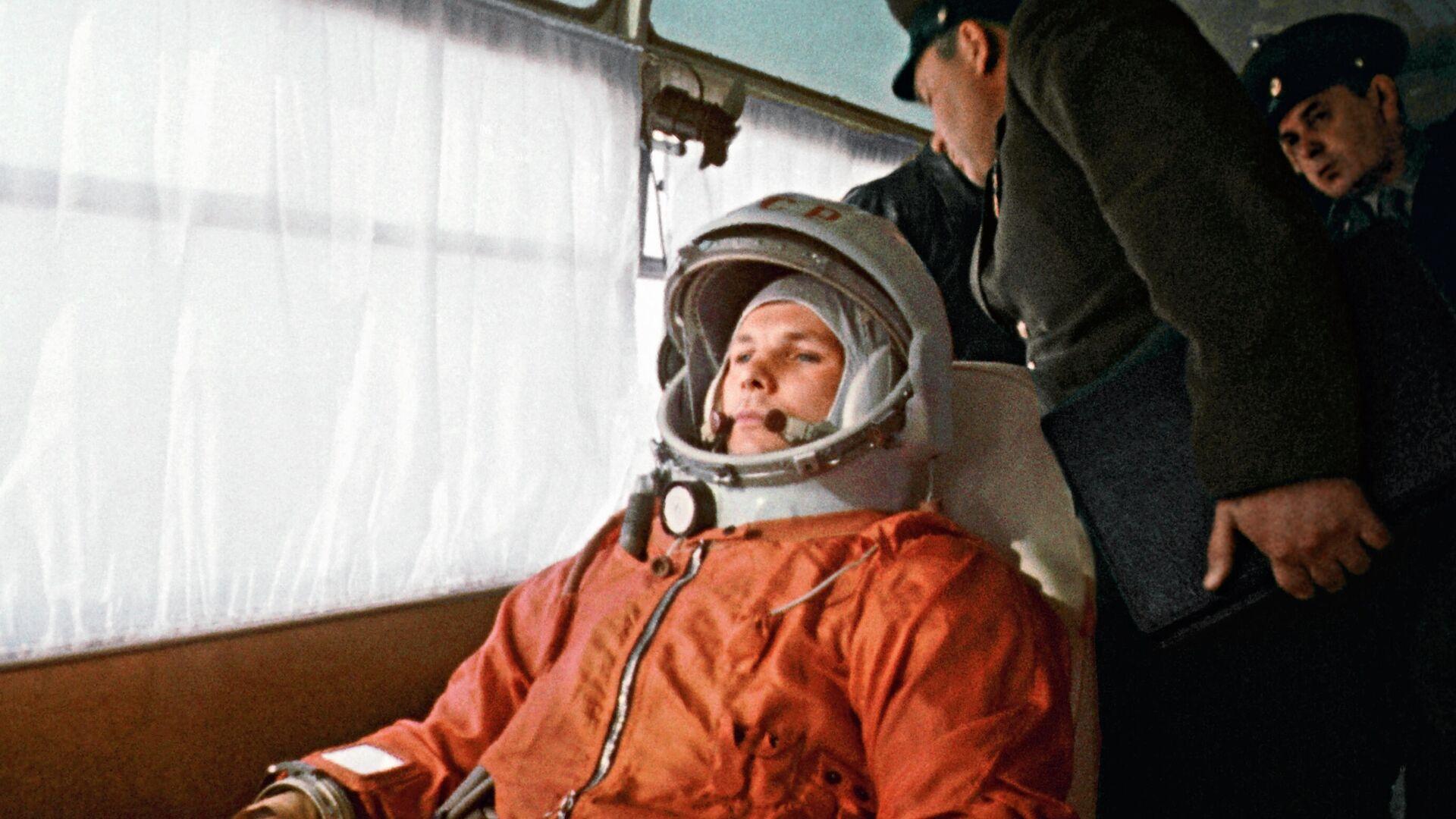Песков раскрыл детали поездки Путина к месту приземления Гагарина