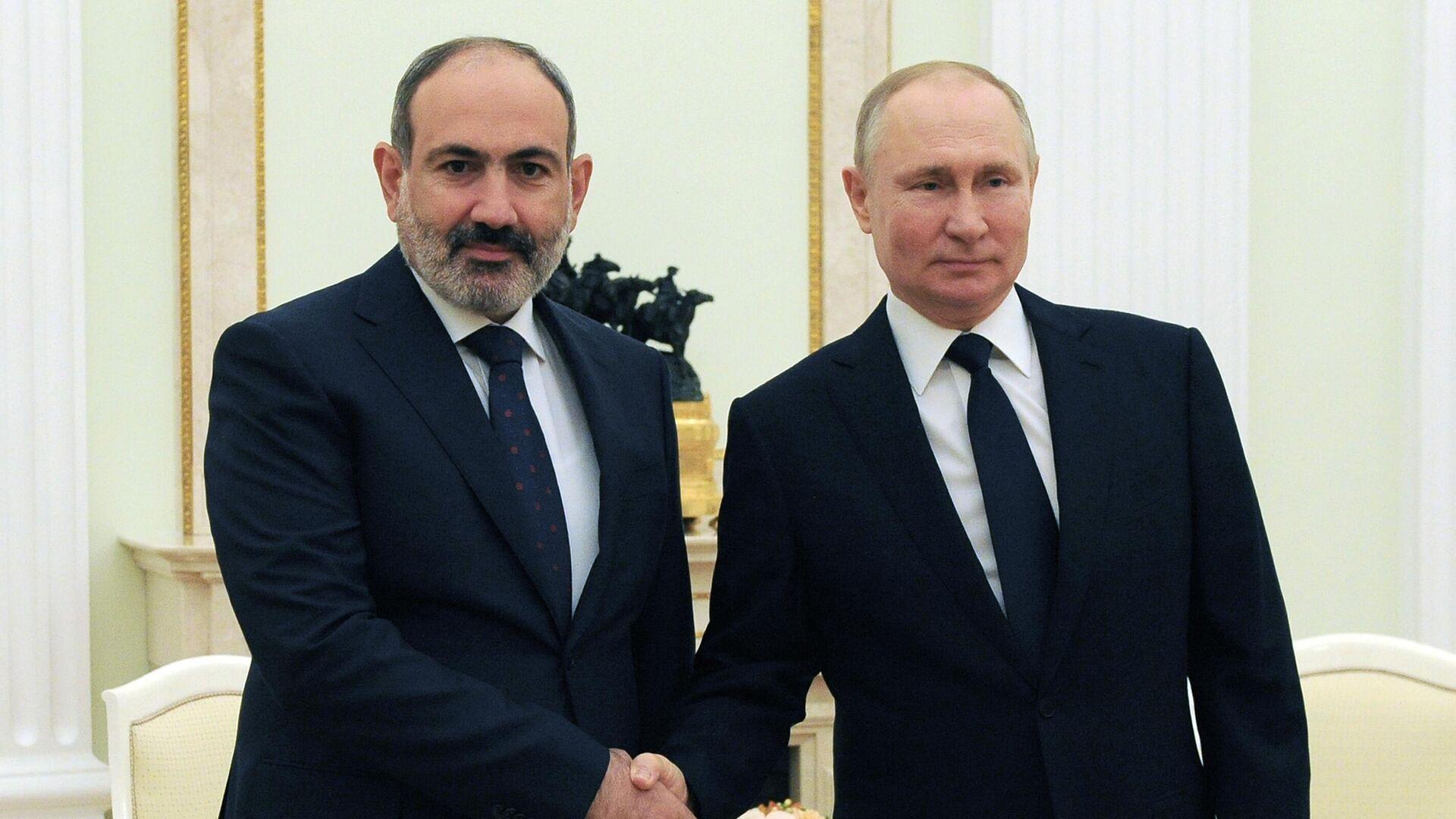 Президент РФ Владимир Путин и премьер-министр Армении Никол Пашинян во время встречи - РИА Новости, 1920, 07.04.2021