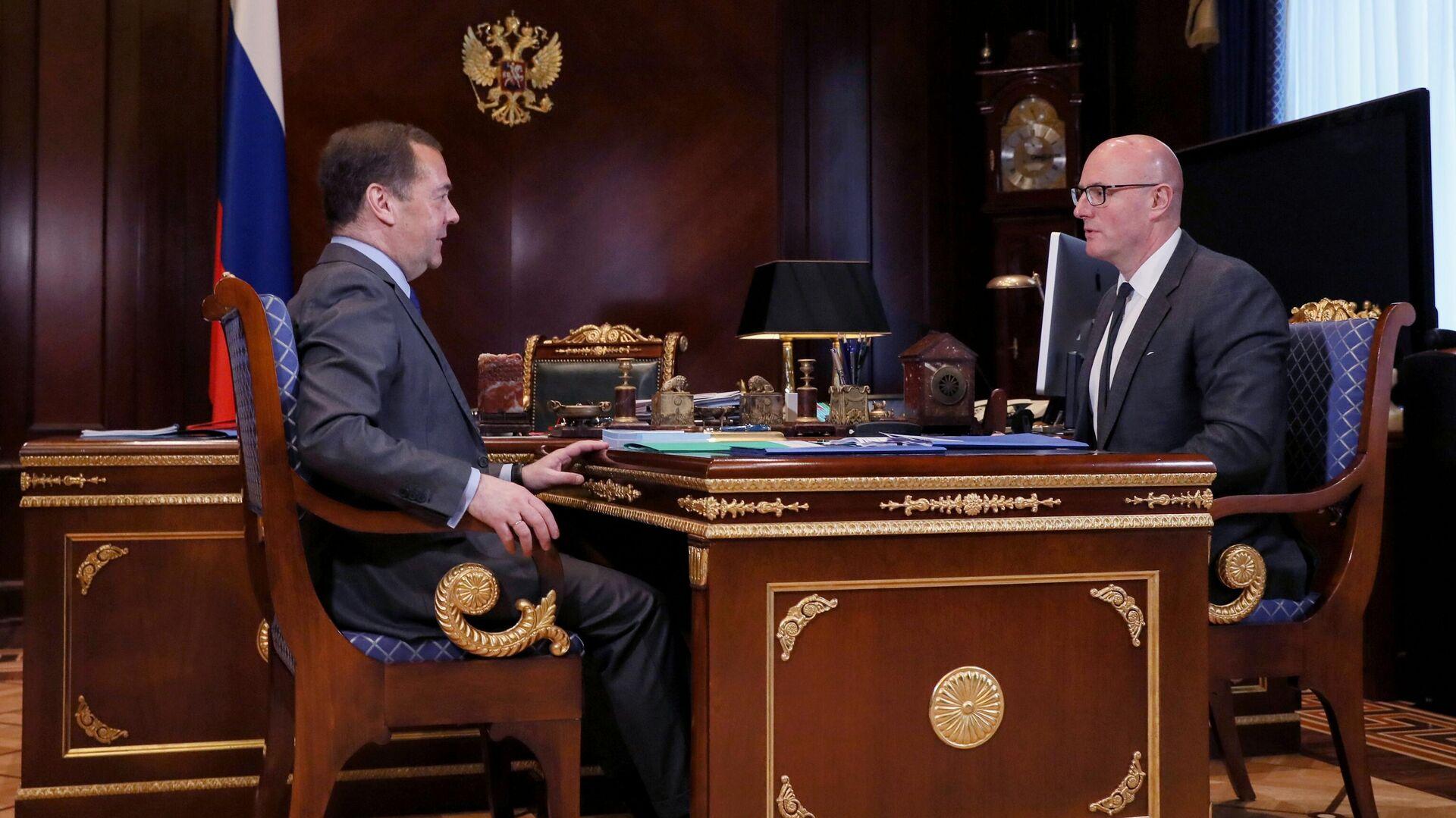Медведев обсудил с Чернышенко повышение эффективности НТП
