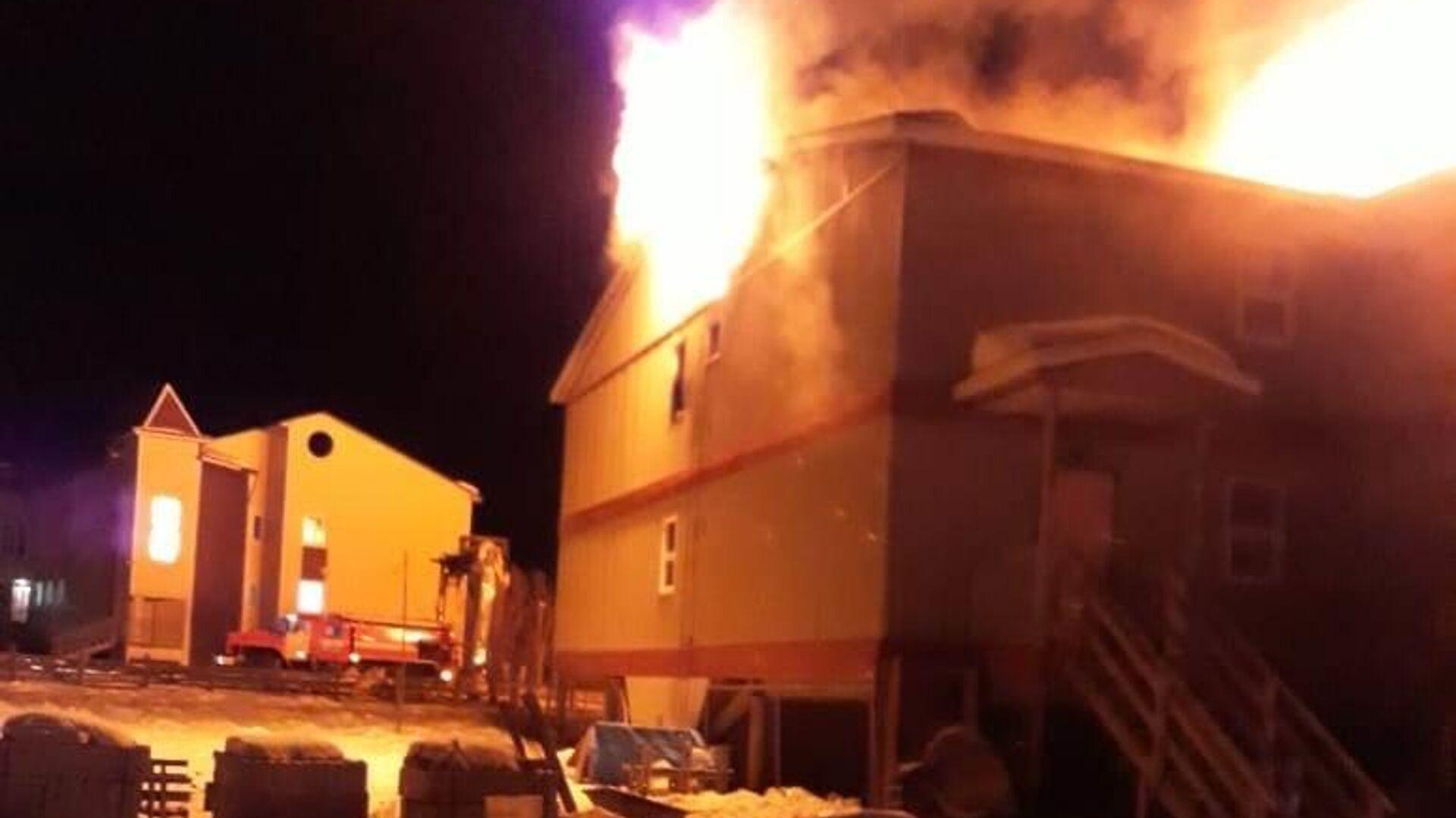 Площадь пожара в Люберцах увеличилась до шести тысяч