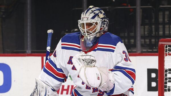 Вратарь клуба (НХЛ) Вашингтон Кэпиталз Хенрик Лундквист