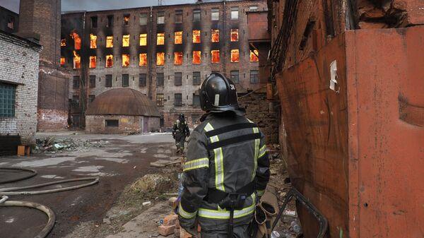 На Невской мануфактуре в Петербурге обрушились перекрытия