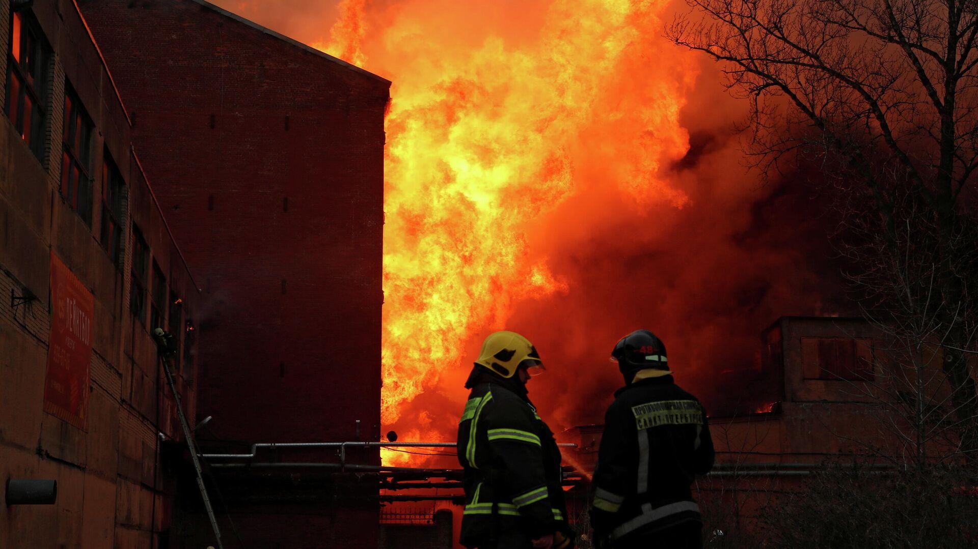 Сослуживцы рассказали о пожарном, погибшем на