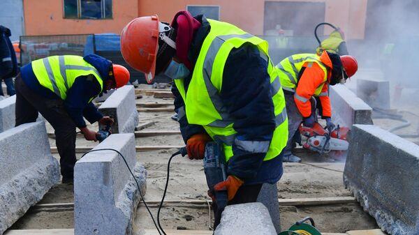Реставрация чугунных ограждений и гранита с Большого Каменного моста