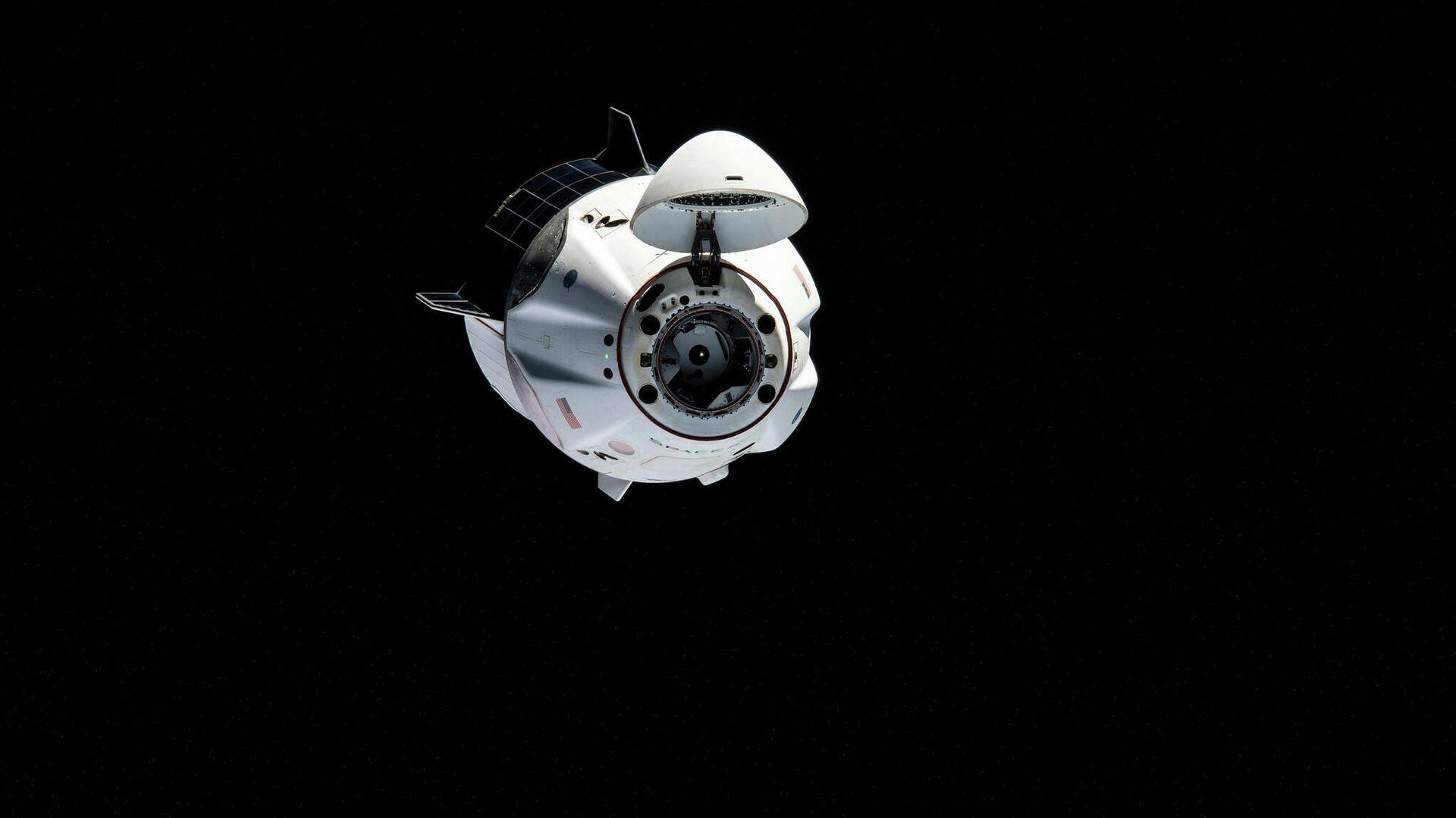 Crew Dragon с четырьмя астронавтами вернулся на Землю