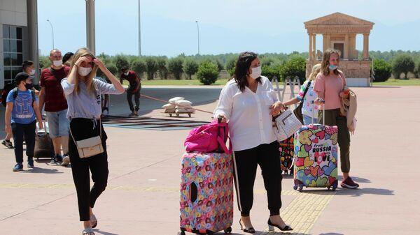 Туристы из России, прибывшие на отдых в Турцию