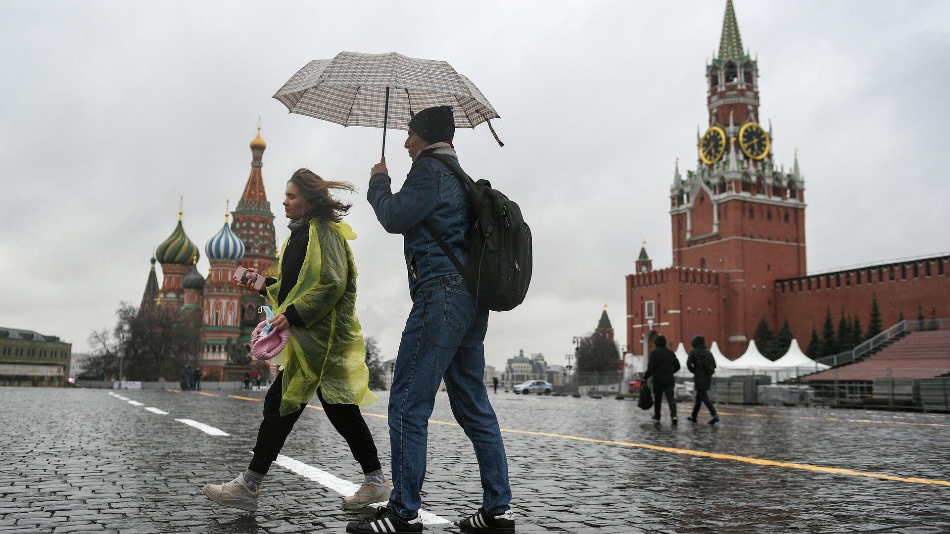 Дождь в Москве - РИА Новости, 1920, 11.06.2021