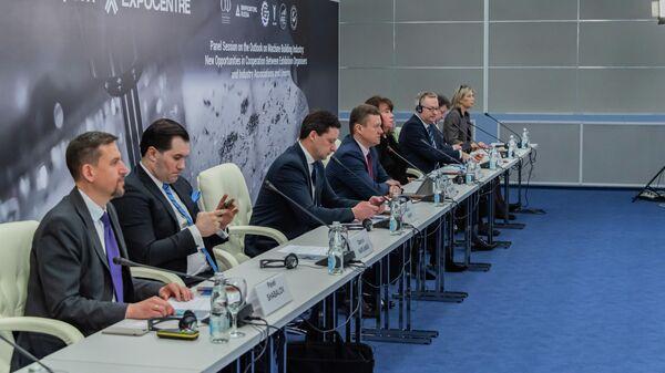 Участники круглого стола Перспективы развития станкостроительной отрасли: новые возможности во взаимодействии выставочных компаний и отраслевых ассоциаций и союзов