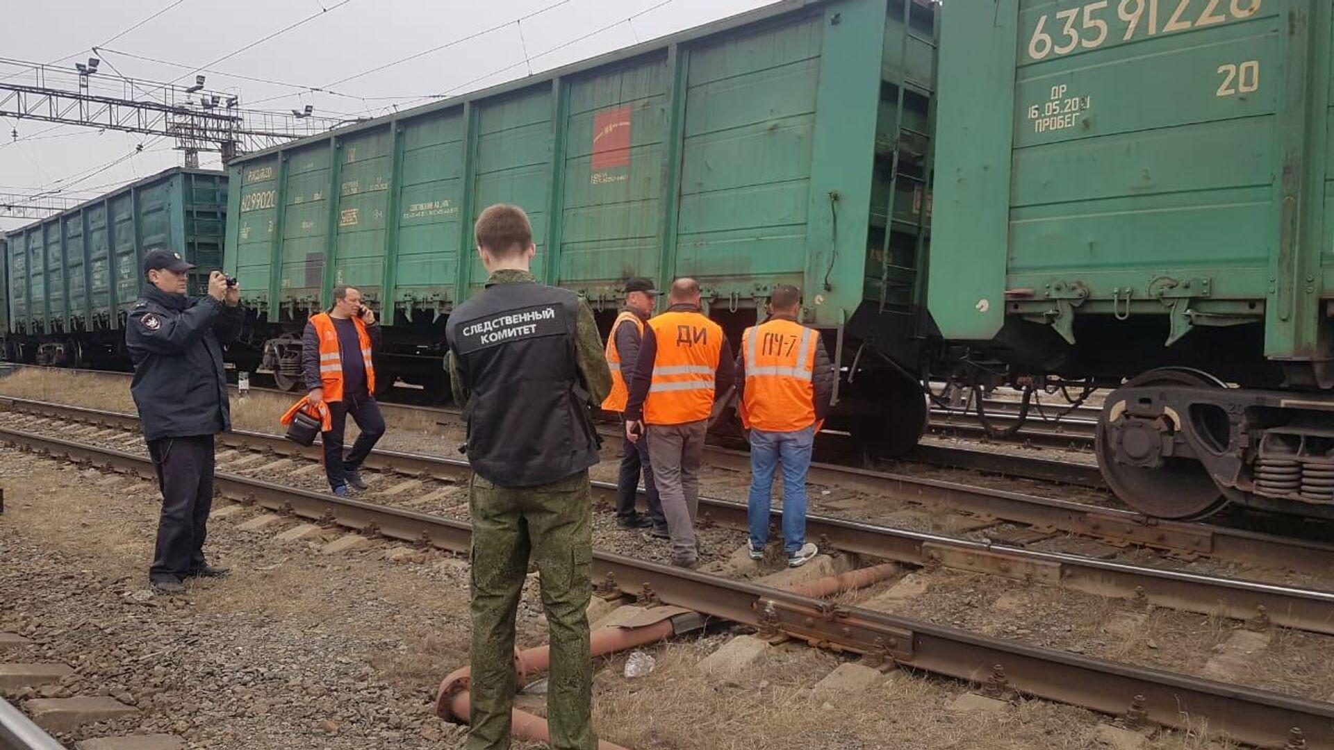 В Челябинской области семь грузовых вагонов сошли с рельсов