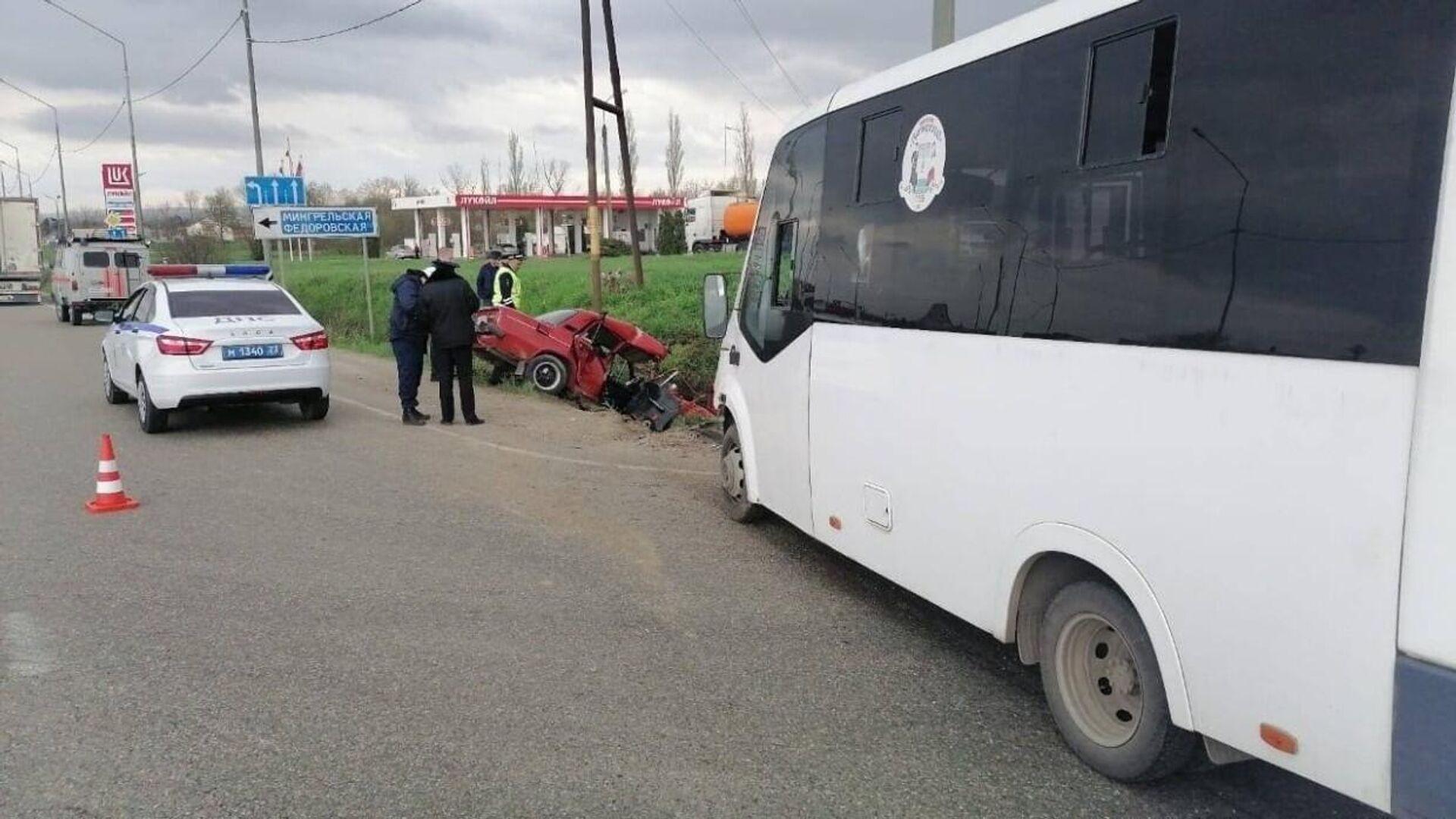 При столкновении автобуса с грузовиком под Тулой погиб человек