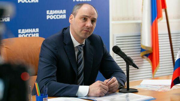 Губернатор Оренбургской области Денис Паслер в ходе приема граждан