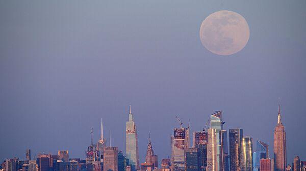 Астрономы рассказали об ожидаемом в конце мая затмении Луны и суперлунии