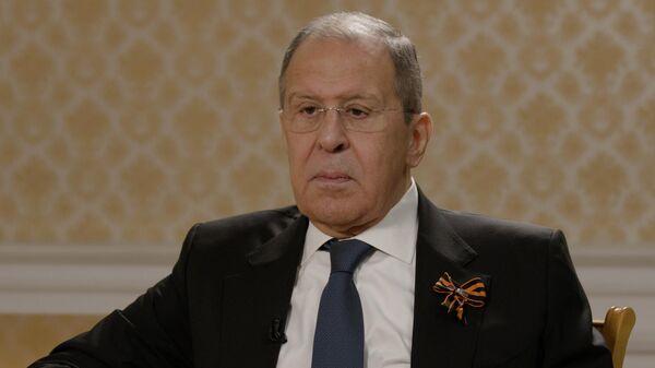 Министр иностранных дел РФ Сергей Лавров во время интервью РИА Новости