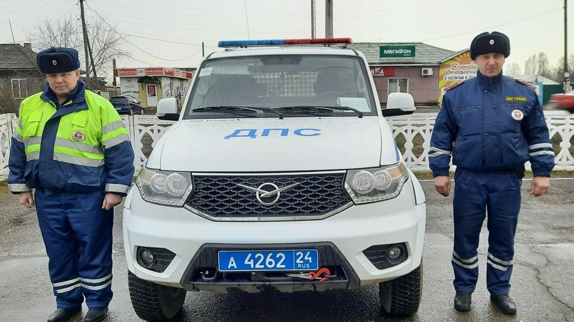 В Татарстане полицейский спас двух тонувших девочек