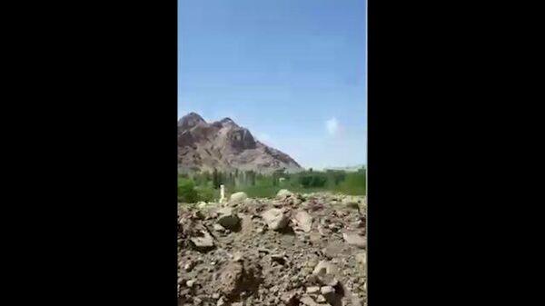 Стрельба и взрывы возле кыргызско-таджикской границы. Видео из соцсетей
