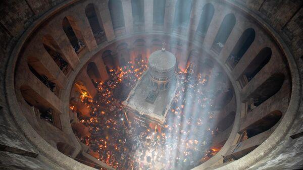 Церемония схождения Благодатного огня в Храме Гроба Господня в Иерусалиме. 1 мая 2021