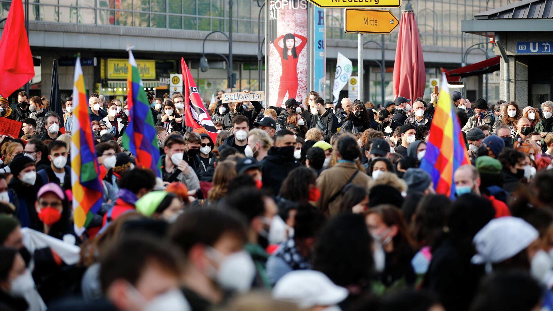 В Берлине 30 полицейских пострадали во время первомайских демонстраций
