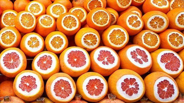 Апельсины, гранаты, грейпфруты