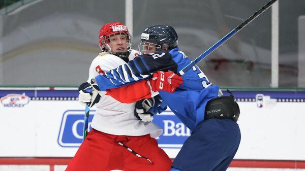 Хоккеисты юниорских сборных России и Финляндии