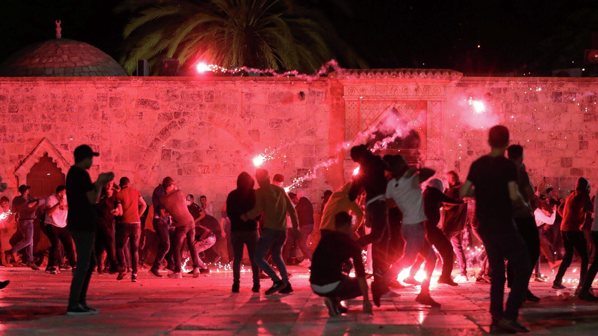 Столкновения возле мечети Аль-Акса в Иерусалиме - РИА Новости, 1920, 09.05.2021