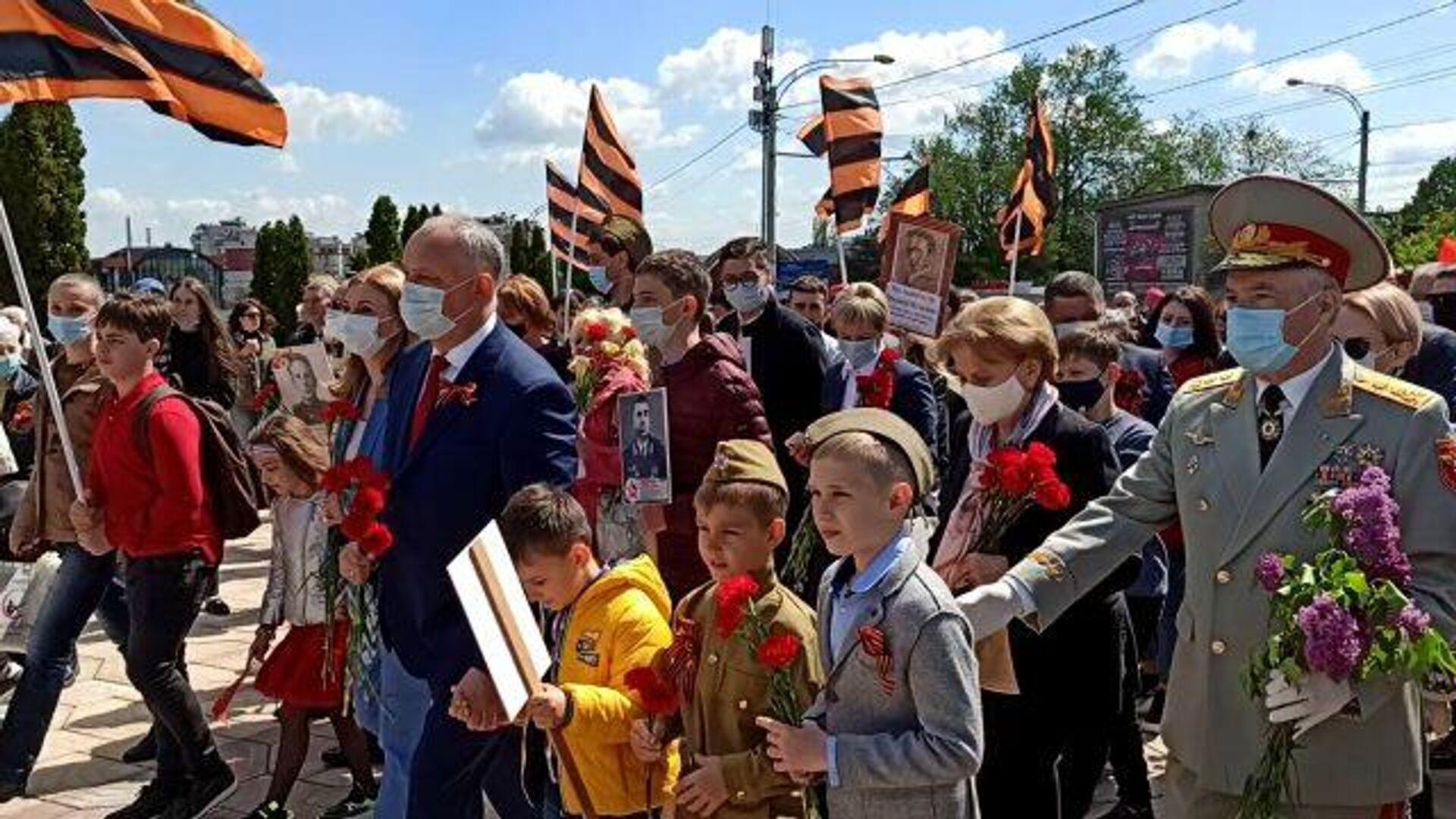 Шествие Бессмертного полка в Кишиневе   - РИА Новости, 1920, 09.05.2021