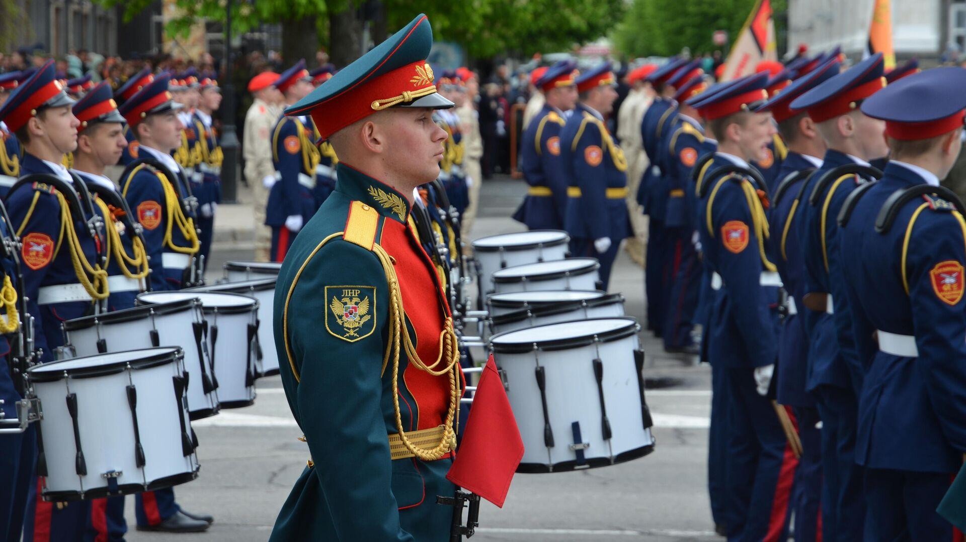 Парад в честь 76-й годовщины Победы в Великой Отечественной войне в Луганске - РИА Новости, 1920, 12.05.2021