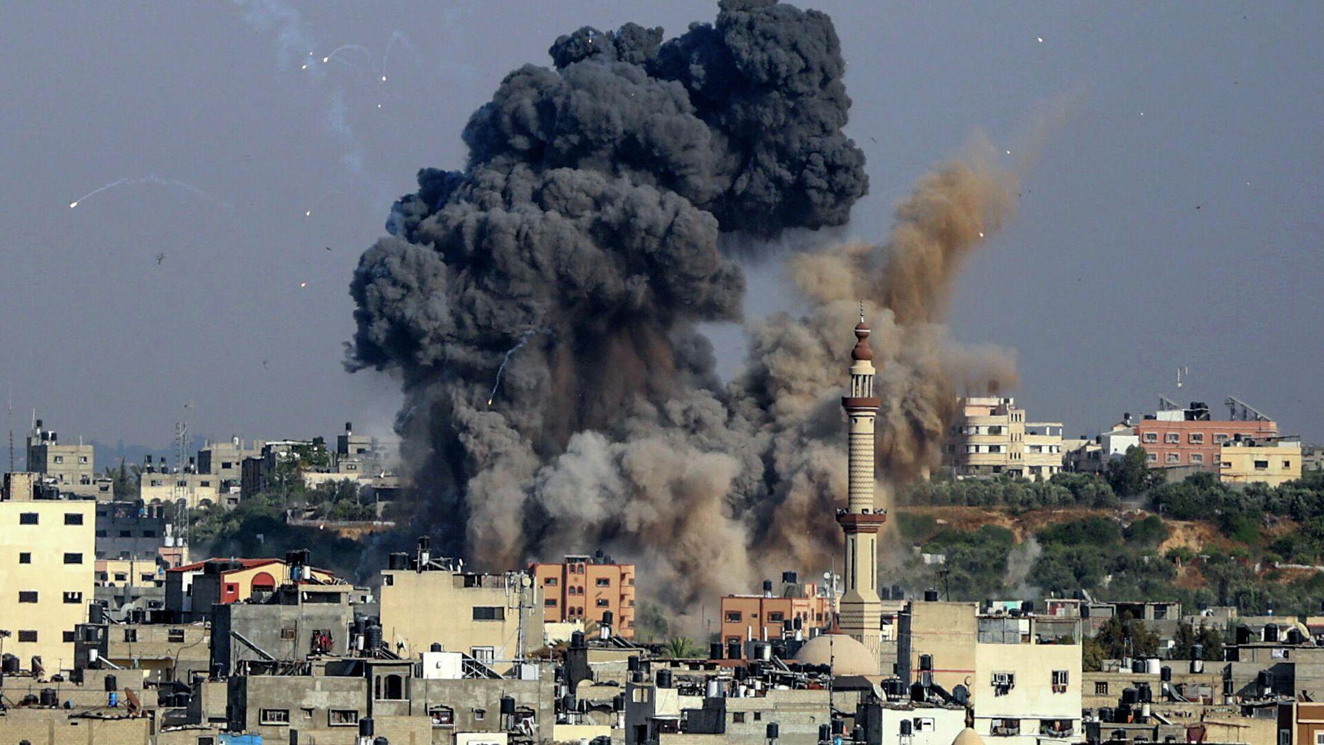 Авиаудар, нанесенный Израилем по объекту движения ХАМАС в секторе Газа. 11 мая 2021  - РИА Новости, 1920, 11.05.2021