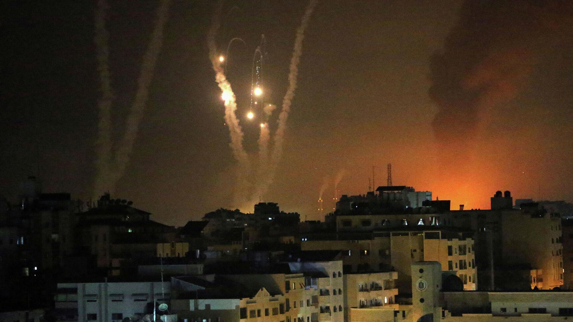 Ракеты, выпущенные по Израилю в Газе - РИА Новости, 1920, 13.05.2021