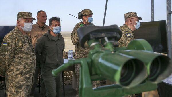 Президент Украины Владимир Зеленский на учениях Объединенные усилия – 2020, которые Украина проводит в статусе члена Программы расширенных возможностей НАТО