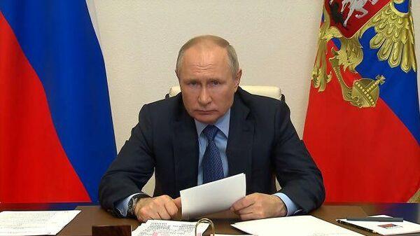 Причина одна – сдерживание России – Путин о попытках извратить историю ВОВ
