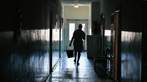 Сотрудник больницы
