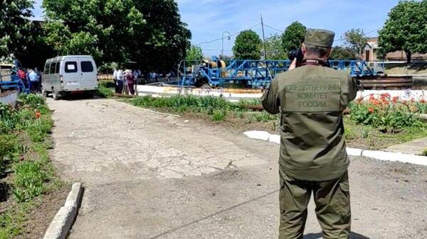 Сотрудник СК России на месте гибели рабочих в Ростовской области