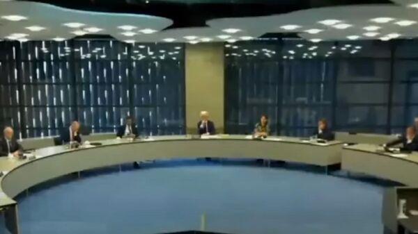 Скриншот видео розыгрыша пранкерами голландских парламентариев