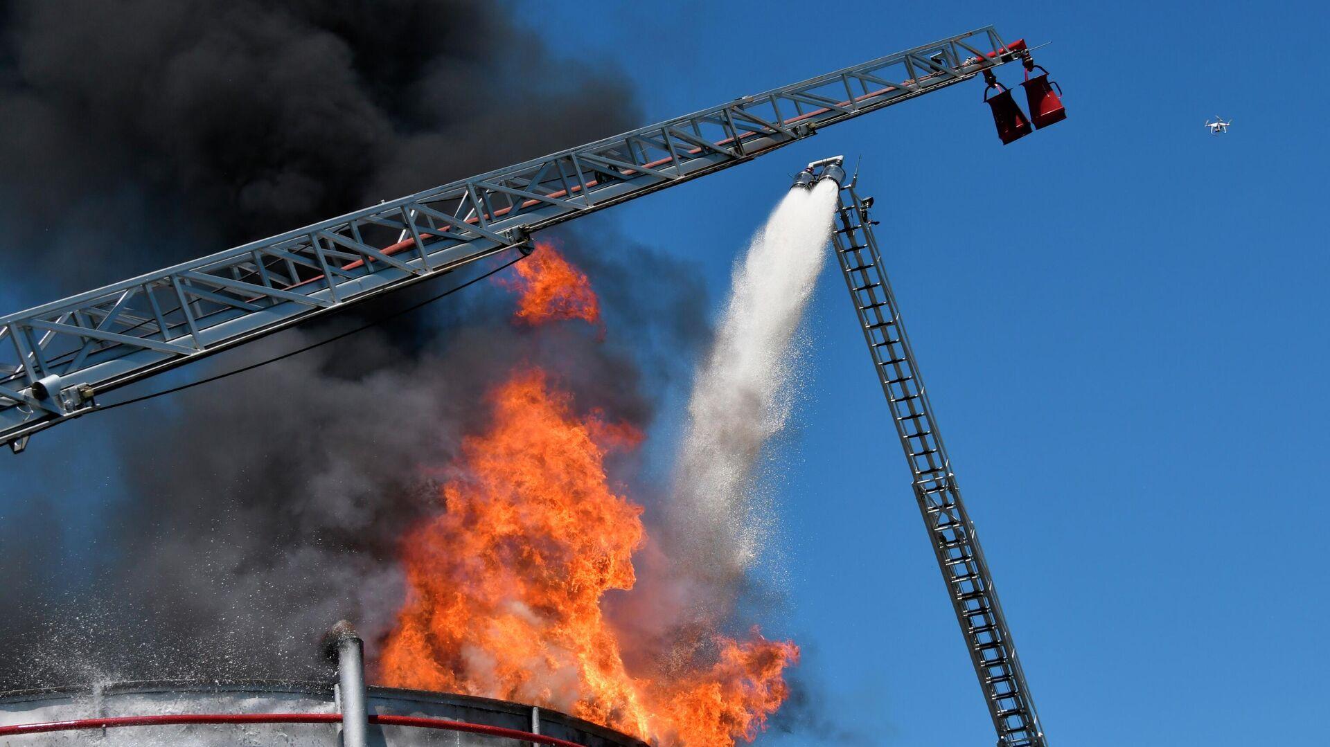 Новый способ распыления воды улучшит обработку нефти и пожаротушение