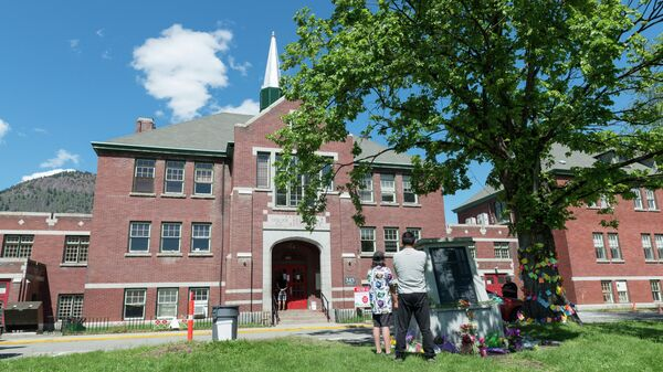 Здание администрации бывшей школы-интерната для индейцев в городе Камлупс в Канаде