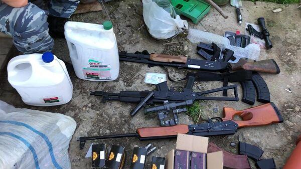 Огнестрельное оружие и боеприпасы, изъятые сотрудниками ФСБ