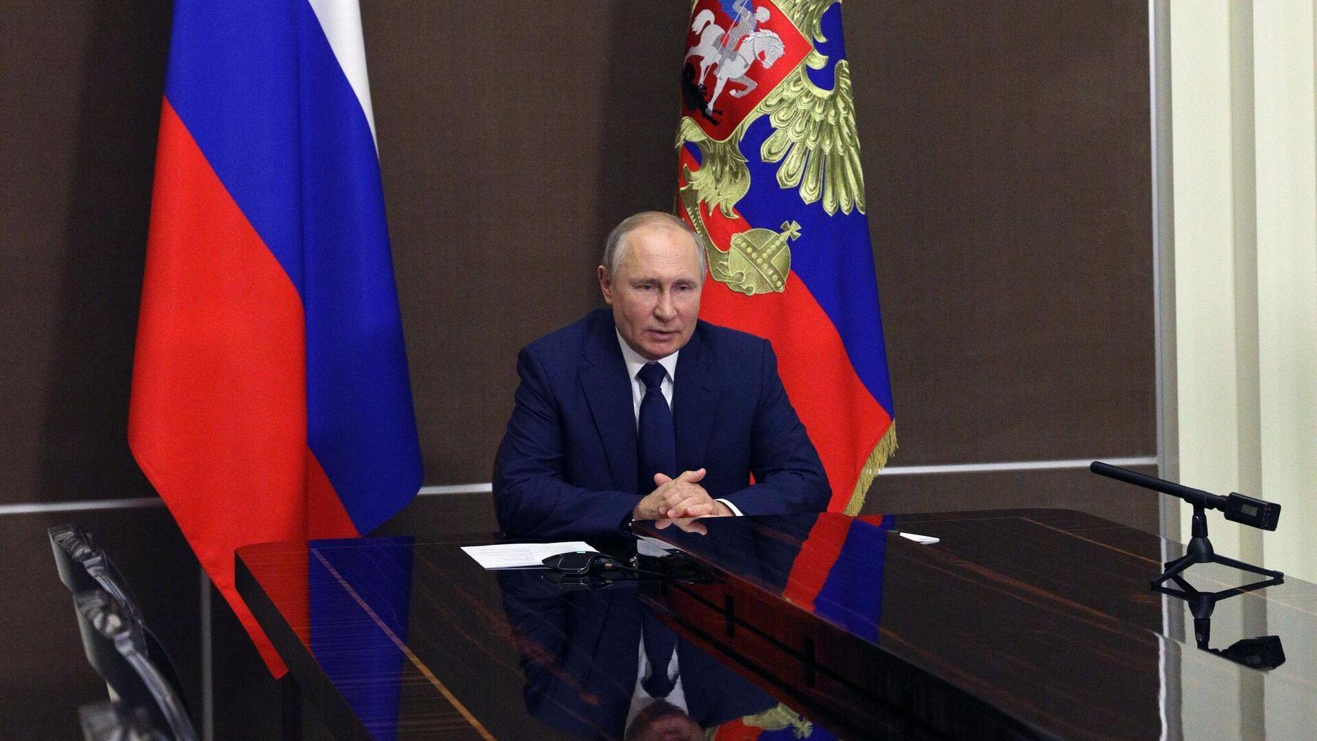 Путин поддержал идею об отчетах депутатов перед избирателями