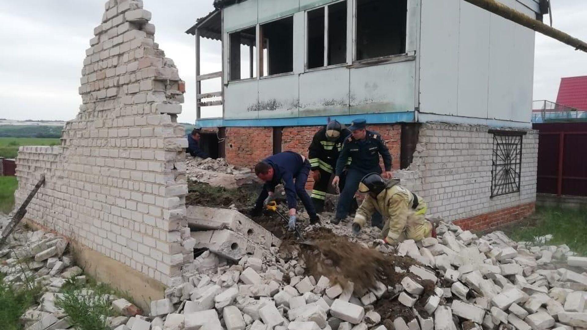 Трое детей погибли после обрушения плиты недостроенного дома в Воронеже