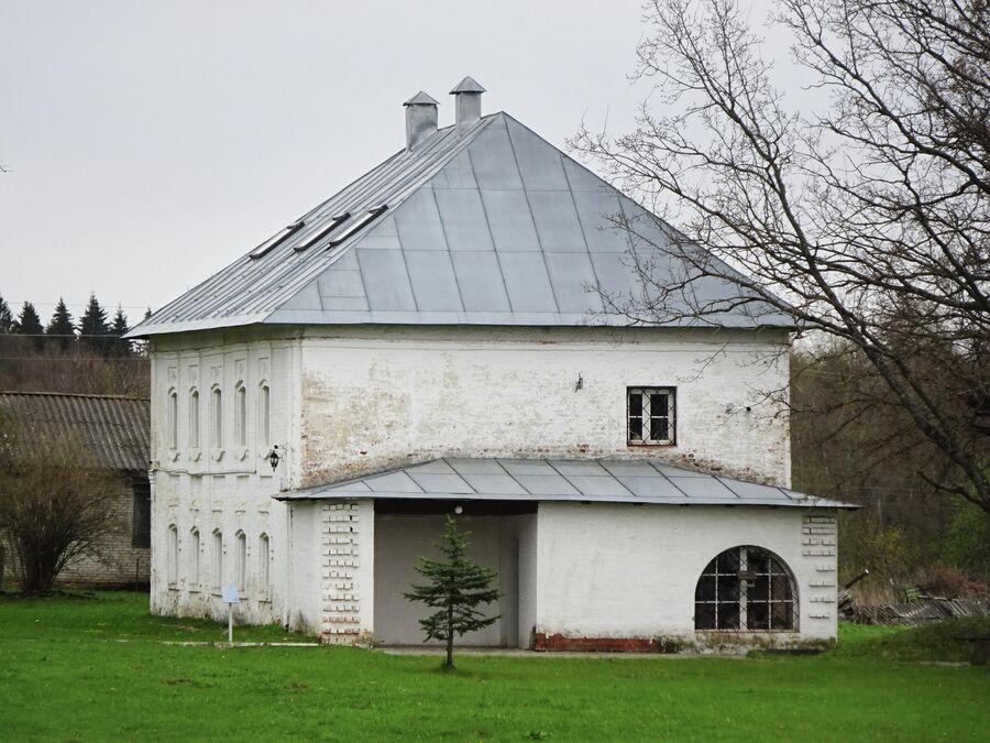 Служебная постройка (сер. 18 века). Музей Нахимова