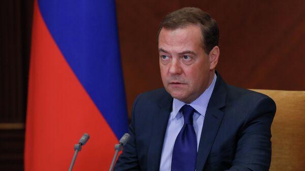 Дмитрий Медведев проводит совещание по вопросу о защите национальных интересов в сфере разработки искусственного интеллекта