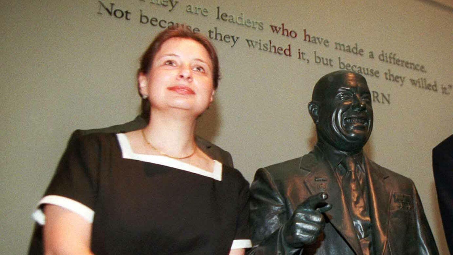Нина Л. Хрущева. 1996 год  - РИА Новости, 1920, 09.06.2021