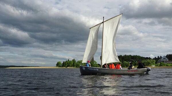 Лодка на Себежском озере