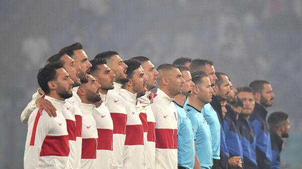 Футболисты сборных Турции и Италии