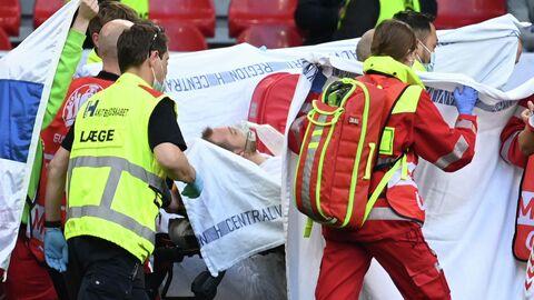 Медики эвакуируют футболиста сборной Дании Кристиана Эриксена