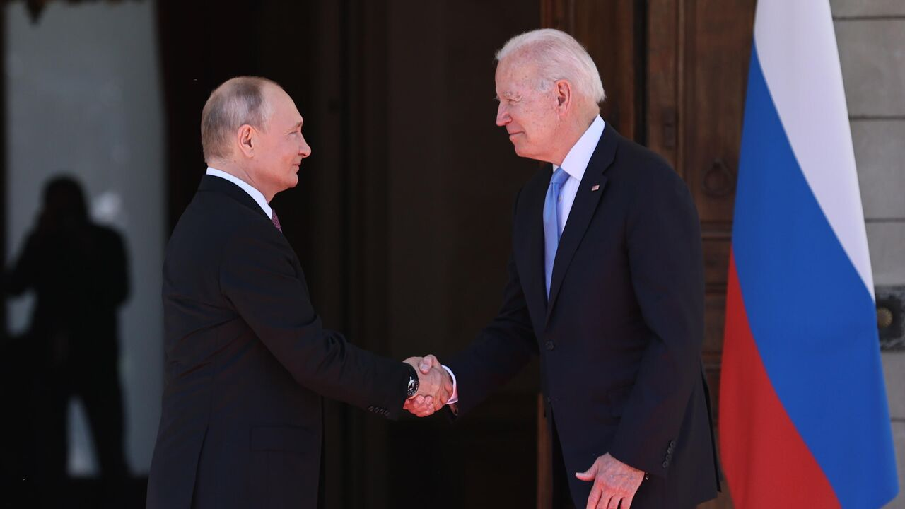 Белый дом сообщил о телефонном разговоре Путина и Байдена