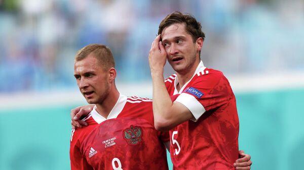 Алексей Миранчук (справа) и Дмитрий Баринов