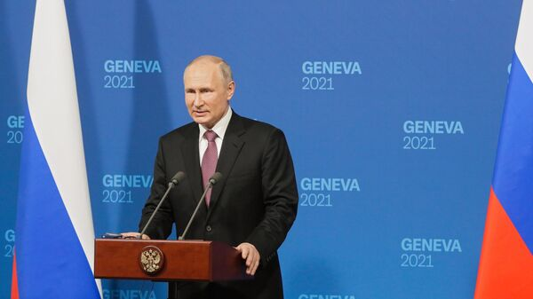 Президент России Владимир Путин на пресс-конференции по итогам переговоров с президентом США Джо Байденом в Женеве.